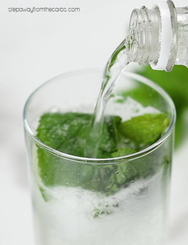 Low Carb Mojito - sugar free and keto cocktail recipe