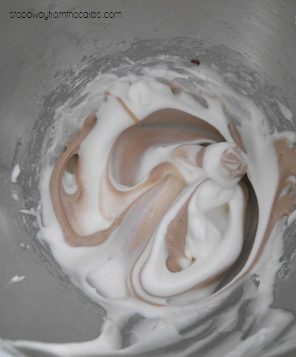 Low Carb Meringues with Cocoa Swirl - a sugar free and keto friendly sweet treat