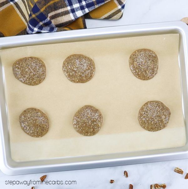 These low carb pecan cookies require only three ingredients and can be made super quickly! Keto, sugar free, and gluten free recipe with video tutorial!