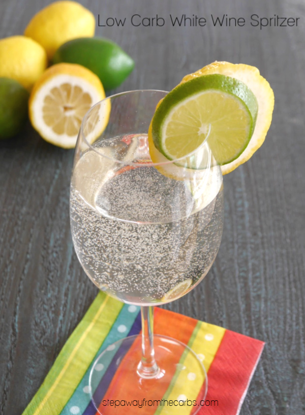 Low Carb White Wine Spritzer - a super refreshing drink for the summer!