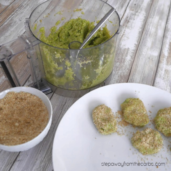 Low Carb Broccoli and Cauliflower Nuggets - a delicious and healthy vegetarian snack or side dish!