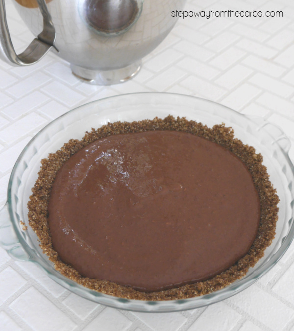 Low Carb S'mores Pie - sugar free recipe that requires just 6 ingredients!