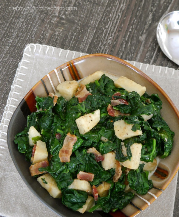 Low Carb Creamed Spinach with Celeriac and Bacon - a delicious LCHF side dish recipe!