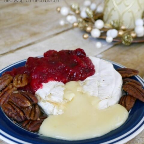 Baked Camembert with Cranberry Sauce and Caramelized Pecans