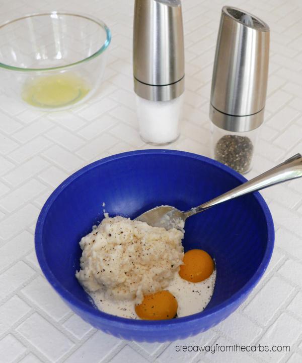 Low Carb Cauliflower-Stuffed Mushrooms - use leftover cauli-mash to make this side dish or vegetarian appetizer!