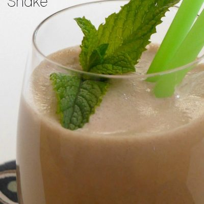 Low Carb Chocolate Mint Shake