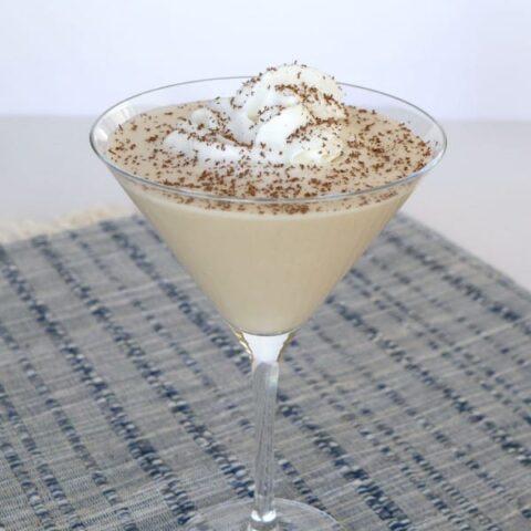 Low Carb Chocolate Cream Pie Martini
