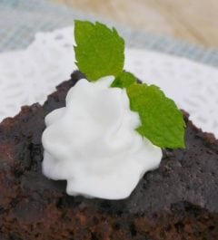 Slow Cooker Low Carb Mint Chocolate Cake