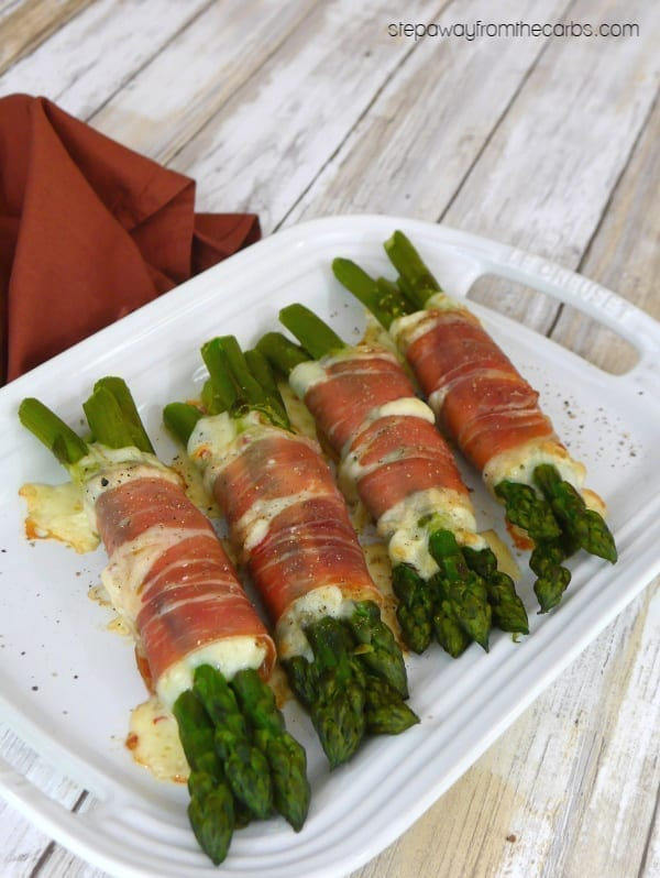 Asparagus Bundles with Prosciutto and Cheese - a delicious low carb and keto lunch or appetizer recipe!
