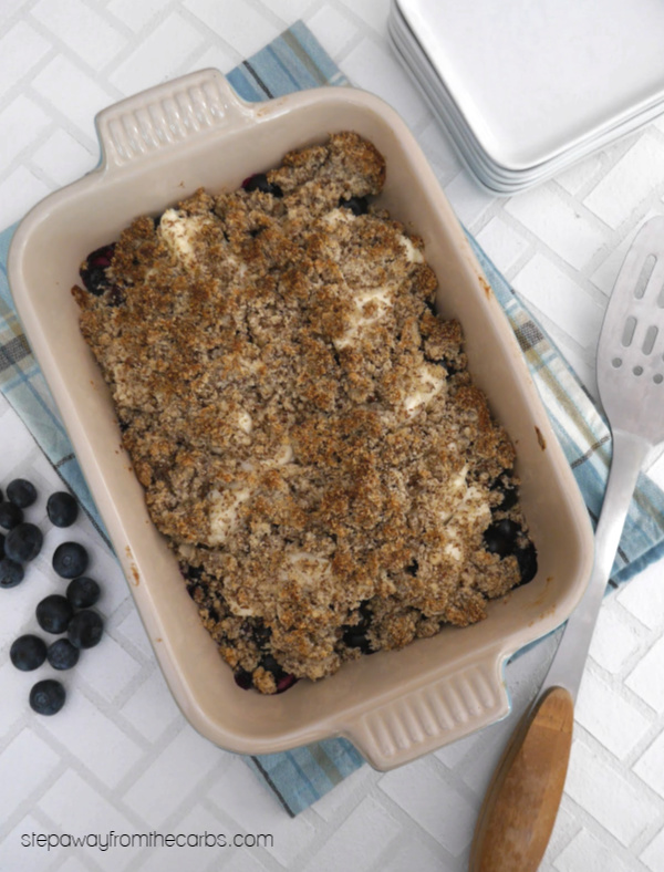 Low Carb Blueberry Cream Cheese Crumble - a delicious sugar free, LCHF, and gluten free recipe!