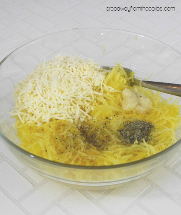 Low Carb Spaghetti Squash Casserole -a tasty and cheesy side dish recipe! Gluten free.