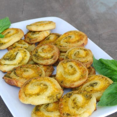 Low Carb Pinwheels with Cheese and Pesto