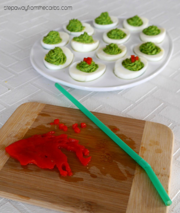 Christmas Deviled Eggs - the perfect low carb appetizer for the holidays!