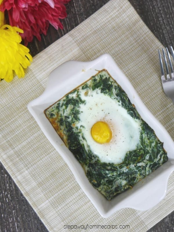 Low Carb Eggs Florentine - a baked dish perfect for breakfast or brunch! Keto and LCHF recipe.
