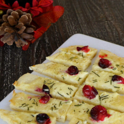 Low Carb Flatbread with Brie and Cranberries