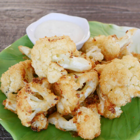 Keto Garlic Parmesan Cauliflower Bites