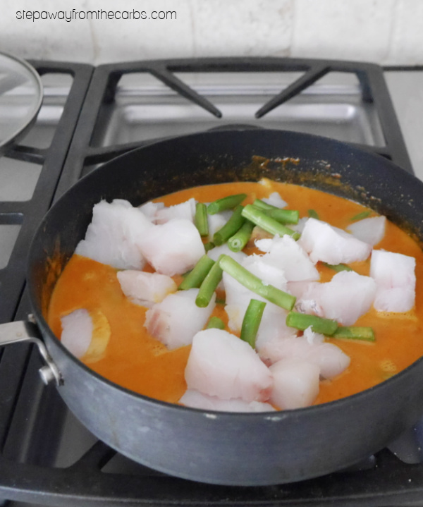 Low Carb Indian Fish Curry - a super easy recipe with fresh cod, green beans, coconut, tomato, and spices