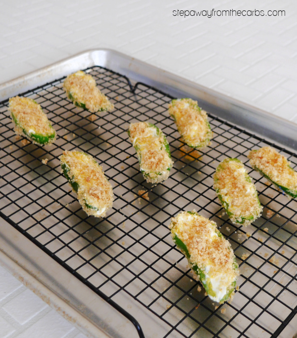 Keto Crispy Jalapeño Poppers - a spicy, crunchy, and creamy low carb appetizer!