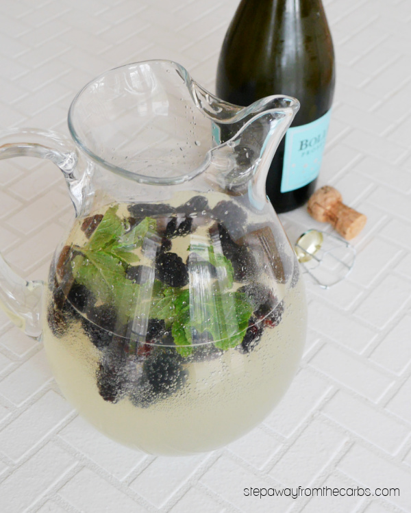 Low Carb Punch with Prosecco and Lemonade - a refreshing sugar free cocktail for a hot day!